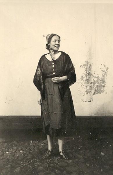 Johanna Sievers in Wilhelmsburger Tracht
